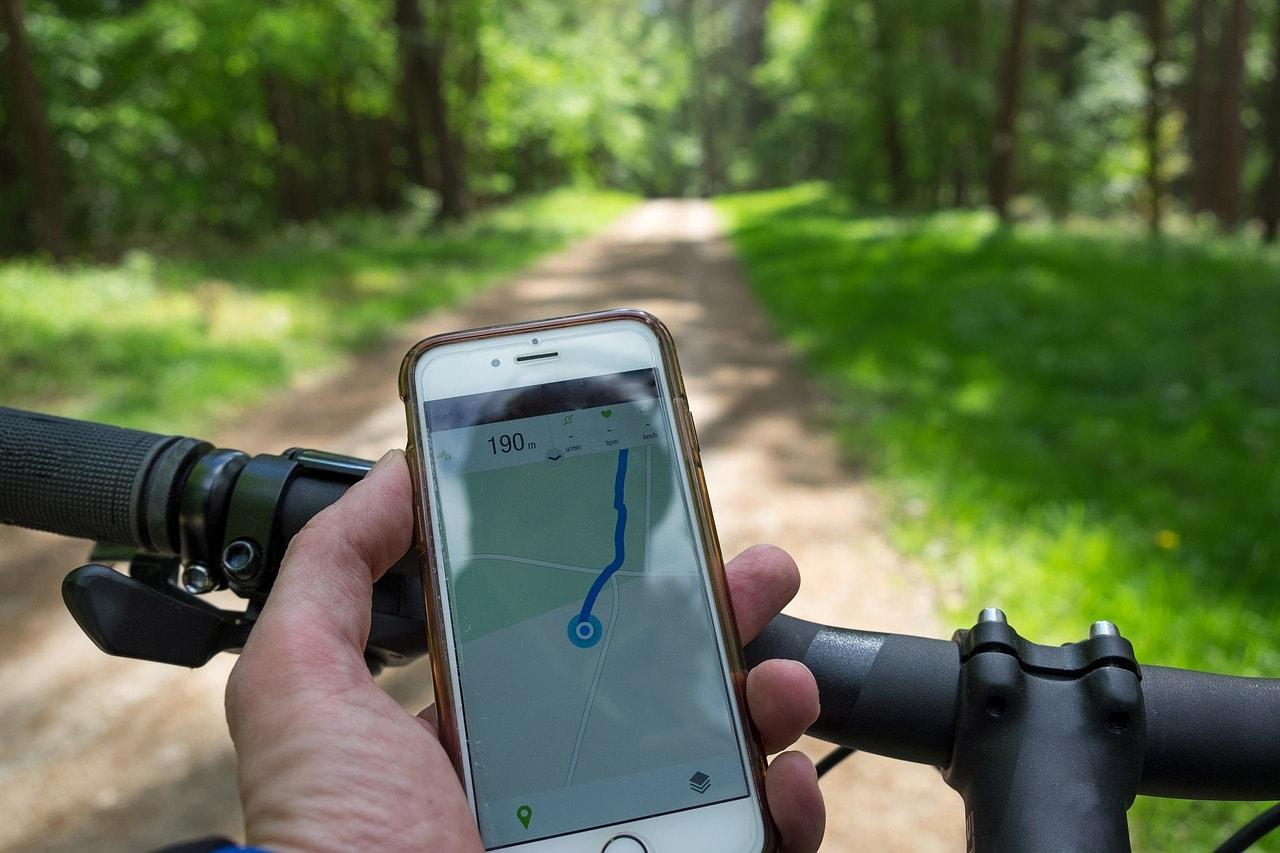 praktyczny uchwyt rowerowy na telefon
